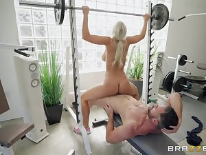 Chlorine blonde explicit fucking hardcore in the gym