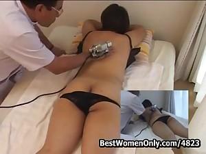 High-sounding Japanese Masseur Visit Girl Home Spycam Part1