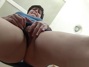 Upskirt Mommy - close-up virtual mom pov