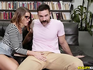 Lusty nerd Adriana Chechik deepthroats and fucks on tap a boning up