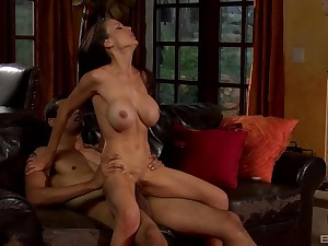Silicone mature Mckenzie Lee is the real specialist of hard sex