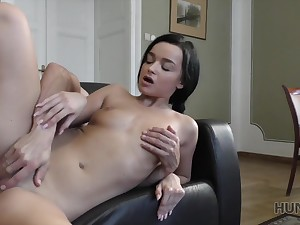 HUNT4K. Chick agrees be expeditious for mating be expeditious for money even in front...