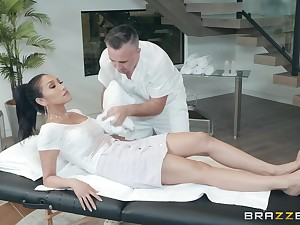 Latina babe Vicki Chase takes cock with her feet and mouth at anterior to