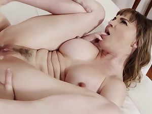Hot Milf Dana Gets Banged Hard By Her Stepsons