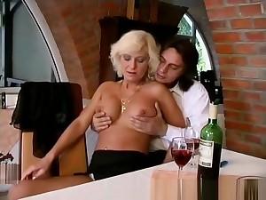 moms major anal sex