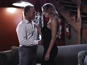 Enlarging flirty hottie Kenzie Taylor cannot get enough from fucking sideways